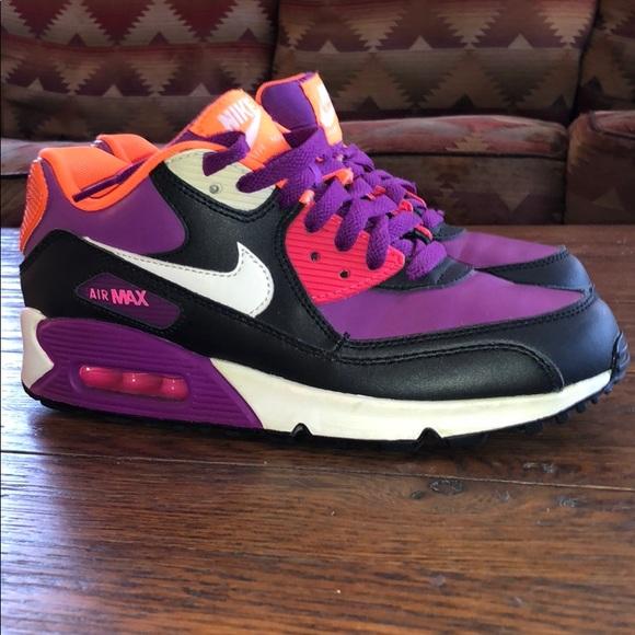 09bf1c5efd88 Nike Air Max 90 in Bold Berry. M 5c3776e32beb79ac8cdb8b89